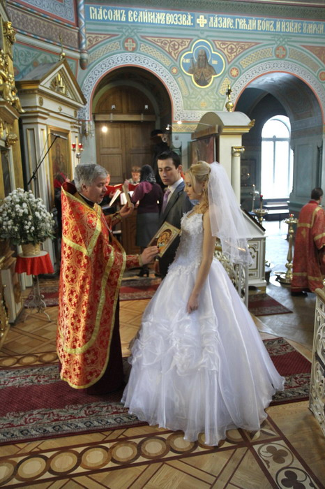 одежда. платье для венчания в церкви